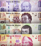 Contas do papel do peso mexicano foto de stock