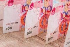 100 contas do yaun na mesa Fotografia de Stock