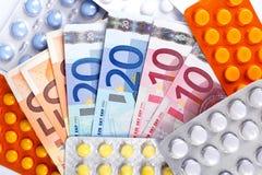 Contas e comprimidos de dinheiro do Euro Fotos de Stock