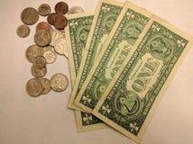 Contas e moedas Foto de Stock