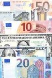Contas e notas de dólar do Euro Imagem de Stock