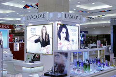 Contatore del cosmetico di Lancome Fotografia Stock Libera da Diritti