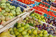 Contatore della frutta Immagine Stock Libera da Diritti