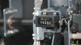 Contatore di arresto in alta tensione dell'interruttore del circuito scaricato Interruttore a contatto elettrico Parte di sottost video d archivio
