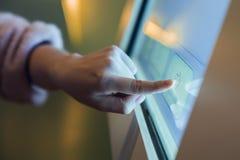Contatto del touch screen immagine stock libera da diritti