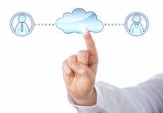 Contatto una femmina e del Peer In The Cloud maschio Immagini Stock