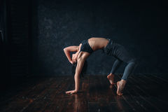 Contemp dancing female performer in dance class Royalty Free Stock Images