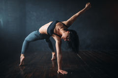 Contemp dancing female performer in dance class Royalty Free Stock Image