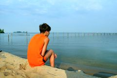 Contemplate of the sea Royalty Free Stock Photos