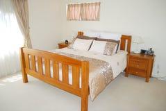 contemporaneo della camera da letto fotografia stock