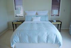 Contemporary bedroom Royalty Free Stock Photos