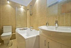Contemporary en suite bathroom Royalty Free Stock Photography