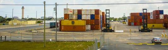 Contenedores de almacenamiento Foto de archivo libre de regalías