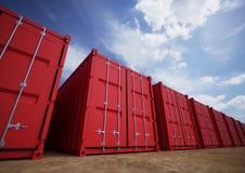 Contenedores para mercancías rojos Fotografía de archivo