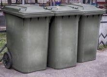 Contenedores verdes de la basura Imagen de archivo