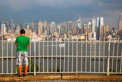 Contenere la vista di Manhattan fotografia stock