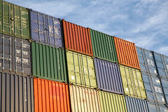 Conteneurs de marchandises d'expédition Photo stock