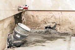 Contenga la construcción y renovación, los tubos y las herramientas el sondear palo Imagen de archivo libre de regalías