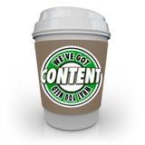 Contenido tenemos lo que usted necesita la taza de café de las palabras Imágenes de archivo libres de regalías
