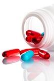 Contenitore con il primo piano delle pillole Fotografia Stock Libera da Diritti