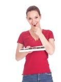 Contenitore di cioccolato della holding della giovane donna Fotografia Stock