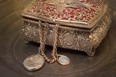 Contenitore di gioielli antico Fotografia Stock