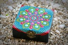 Contenitore di gioielli di Mandala Painted fotografia stock
