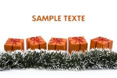 Contenitore di regalo arancione di natale immagini stock