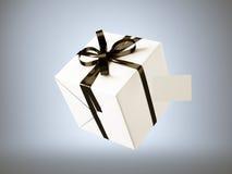 Contenitore di regalo bianco con l'arco nero del nastro ed il biglietto da visita in bianco, isolati su gray 3d rendono Immagine Stock