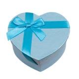 Contenitore di regalo blu del cuore con un arco Fotografie Stock