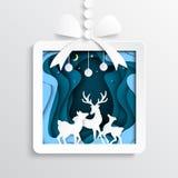 06 Contenitore di regalo di carta con i cervi sul fondo di stagione invernale Fotografie Stock Libere da Diritti