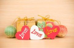 Contenitore di regalo con amore Immagine Stock