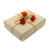 Contenitore di regalo con i fiori rossi di carta Immagini Stock Libere da Diritti
