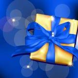 Contenitore di regalo con il nastro e l'arco Fotografia Stock
