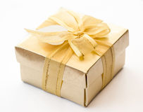 Contenitore di regalo dell'oro Fotografie Stock