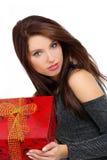 Contenitore di regalo della holding della donna fotografie stock libere da diritti