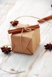 Contenitore di regalo di Natale dell'annata fotografia stock libera da diritti