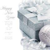 Contenitore di regalo di natale nel tono d'argento Fotografia Stock