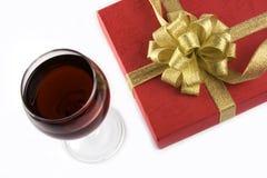 Contenitore di regalo e di vino Immagini Stock Libere da Diritti