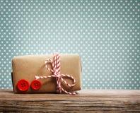 Contenitore di regalo fatto a mano Immagini Stock