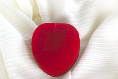 Contenitore di regalo a forma di del cuore Fotografia Stock Libera da Diritti