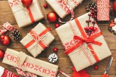 Contenitore di regalo di natale Weihnachtspakete - regalo di Natale fotografie stock libere da diritti