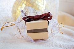 Contenitore di regalo per gioielli immagine stock