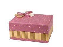 Contenitore di regalo rosa con l'arco rosa del nastro, fotografia stock