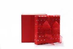 Contenitore di regalo rosso immagini stock libere da diritti