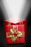Contenitore di regalo rosso fotografie stock libere da diritti