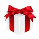 Contenitore di regalo rosso e bianco isolato Fotografia Stock Libera da Diritti