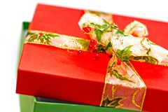 Contenitore di regalo rosso e verde Fotografia Stock Libera da Diritti