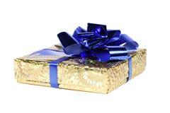 Contenitore di regalo su bianco Immagine Stock Libera da Diritti