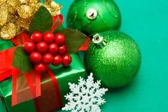 Contenitore di regalo verde di natale Fotografie Stock